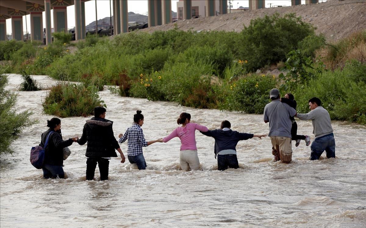 Donald Trump aprovecha crisis de Covi-19 para expulsar a jóvenes y niños migrantes