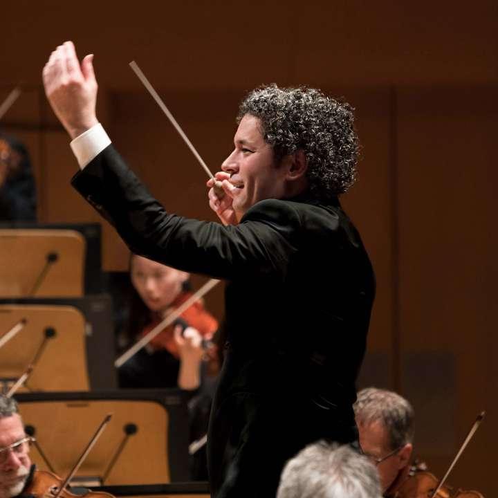 Gustavo Dudamel y la Orquesta Filarmónica de Los Ángeles desarrollan planes para continuar activos en medio de la crisis