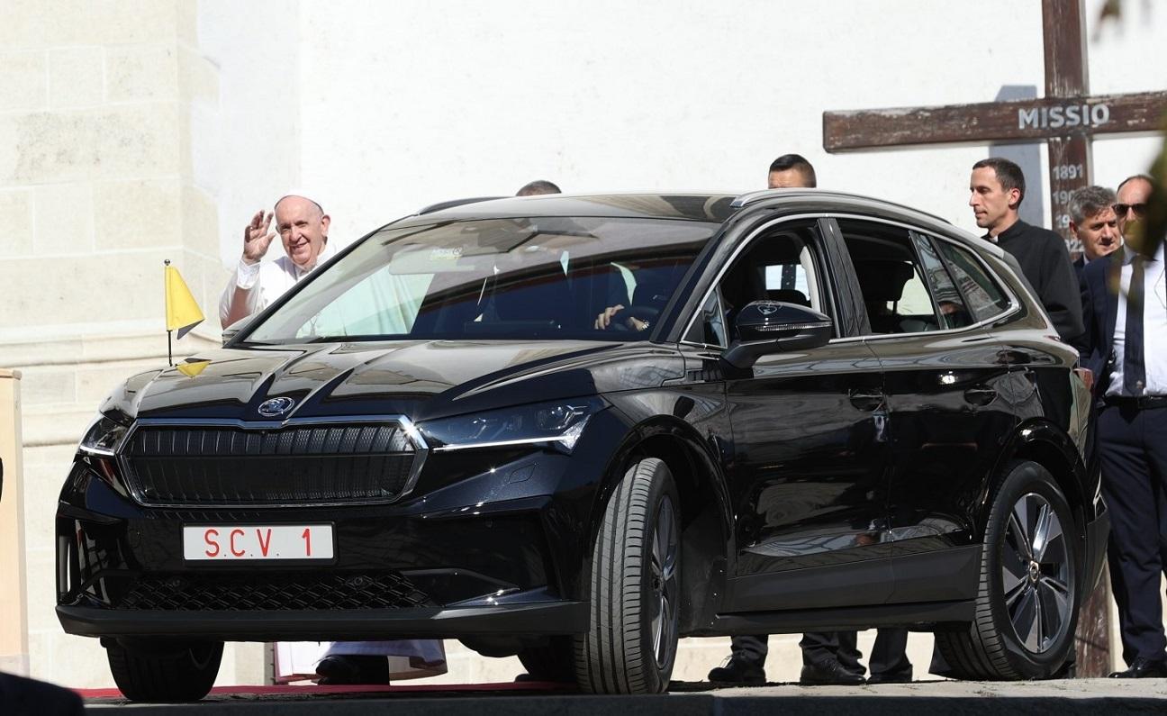 ¿Por qué el Papa Francisco eligió estos autos para su visita a Eslovaquia?
