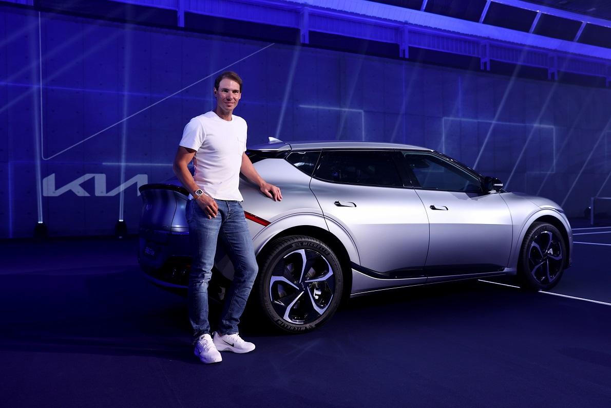 Rafael Nadal, embajador mundial de Kia, impulsará el uso de vehículos eléctricos con el nuevo crossover EV6